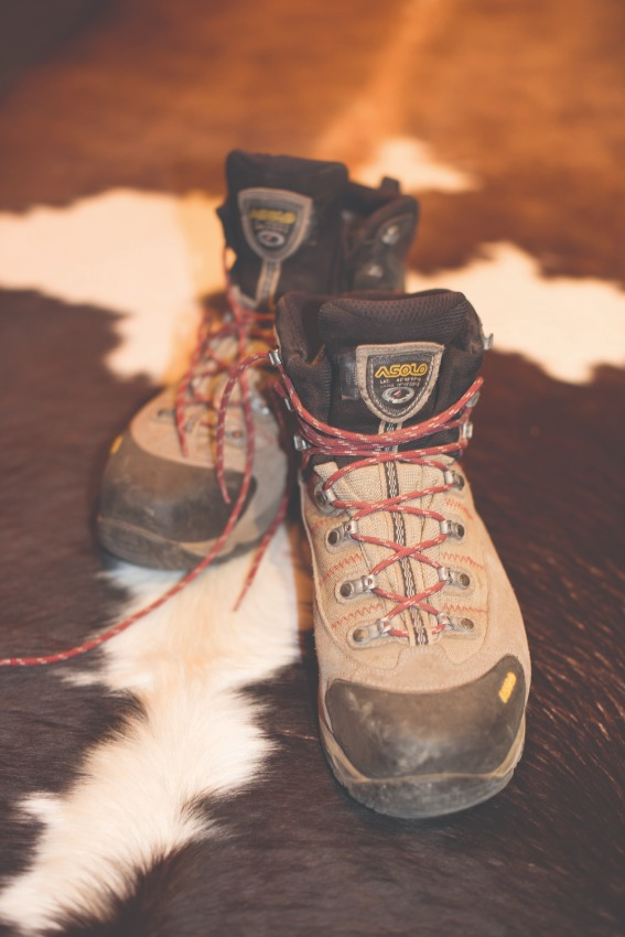 black and tan hiking boots